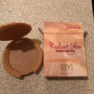 Other - 💗💗IBY highlighter